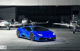 car lamborghini blue this lamborghini huracan in blue chrome looks crazy good