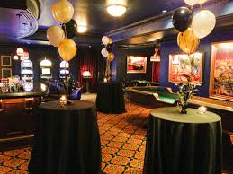 New Years Eve Restaurant Decorations by New Year U0027s Eve Decor Ideas Casino Basement Black Gold And