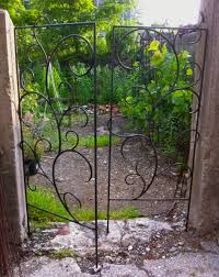 custom vine trellis gate want one call 860 861 9455 trellis