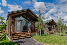 summer c cabins yellowstone national park cabins explorer cabins west yellowstone