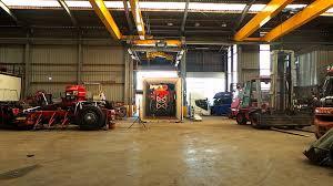kleyn trucks preparing m a n trucks for transport in 1 minute