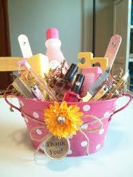 how to make a gift basket 7 easy ways to make a gift basket