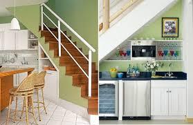 cuisine sous escalier idée d aménagement de l espace sous un escalier la cuisine ev