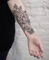 picture of black flower thigh