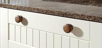 Handles Kitchen Cupboards Akiozcom - Kitchen cabinet door handles uk