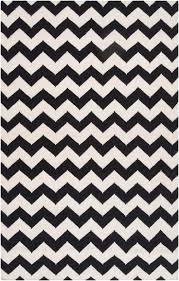 Zig Zag Runner Rug Black White Chevron Rug How To Make A Statement With Black And