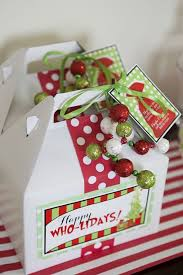 christmas table favors to make best 25 grinch christmas party ideas on party food