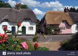 English Country Cottages Row Of English Country Thatched Cottages In Hampshire England Uk