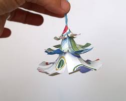how to make a christmas tree decoration with paper