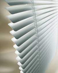 cut your energy bill this summer by using window blinds 5