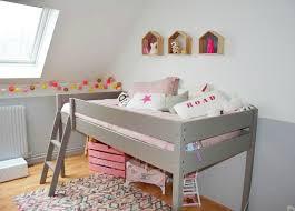 comment peindre une chambre de garcon comment peindre chambre mansardee simple idee deco chambre mansarde