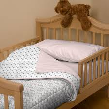 Home Decor Bed by Deciding To Make Your Room Cheetah Themed Theres A Bed Spread A