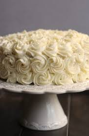 making a bakery quality white cake with buttercream frosting all