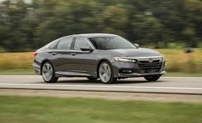 2018 honda accord sedan pictures photo gallery car and driver