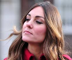 growing out gray hair kate middleton lets the grey grow in