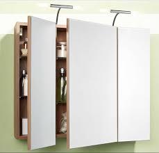 spiegelschr nke f r badezimmer spiegelschrank bad holz mit 3 tür und 6 höhenverstellbaren