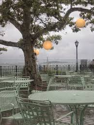 whom you know peachy dines al fresco at battery gardens in