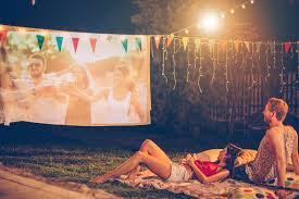 how to set up an outdoor theater