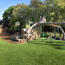 Small Backyard Swing Sets by Best 25 Kid Friendly Backyard Ideas On Pinterest Kids Yard