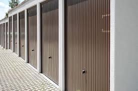 porte per box auto porte basculanti per garage e box prezzi e misure standard