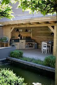 cuisine d ext駻ieure jardin extérieur en photos cuisine d été en bois avec barbecue