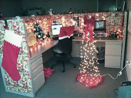 Decoration For Christmas For Office by Office Christmas Decorations 40 Office Christmas Decorating Ideas