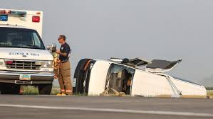 update at least 3 dead in crash near grand forks airport grand