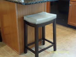 Kitchen Counter Stools by Budget Friendly And Fabulous Kitchen Counter Stools Pretty And