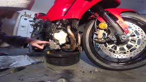 oil change 2013 cbr600rr abs youtube