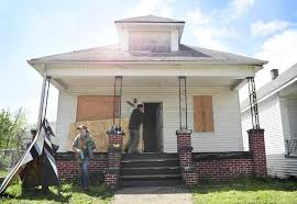 project houses a project hopes to give away rehabbed houses in detroit to aspiring
