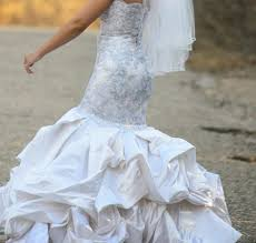 disgusting wedding dresses dresses ugliest wedding dresses baracci wedding dress