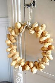 22 beautiful nut and acorn wreaths for fall décor digsdigs