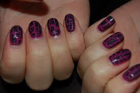 nails cracking beautify themselves with sweet nails