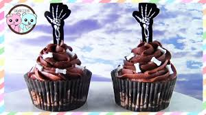 skeleton cupcakes halloween cupcakes by sugarcoder collab with