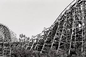 19 creepy photos taken at japan u0027s abandoned dreamland theme park