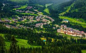 country towns country living in canada our favourite small towns canada