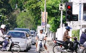 beating the red light pressreader the star malaysia 2010 01 20 over 9 000 motorists