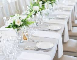 Wedding Cake Display Table Stunning Gold Table Cloth Beautiful Wedding Cake Display