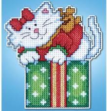 design works cat in box ornament plastic canvas kit