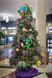 mardi gras tree decorations mardi gras christmas tree decorated with purple justice flickr