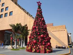 file christmas tree in moliere shopping mall jpg wikimedia commons