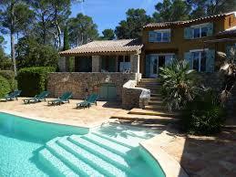 salle de bain provencale grande maison de style provençale tennis privé calme absolu