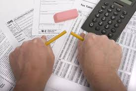 more canadians filing taxes electronically but paper not obsolete