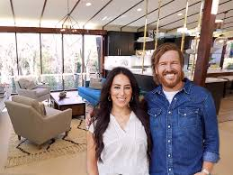 chip and joanna gaines facebook fixer upper u0027 design tips from chip and joanna gaines business