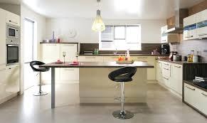 ilots central pour cuisine table ilot de cuisine avec ilots central de cuisine ilot central