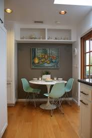 Dining Room Booth Table U2013 71 Best Tulip Table And Tulip Chairs Images On Pinterest Dinner