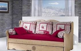 transformer un lit en canapé banquette lit chatel secret de chambre