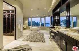 Bathtub Los Angeles 18 Million Newly Built Contemporary Mansion In Los Angeles Ca