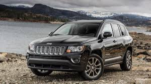silver jeep compass 2014 jeep compass debuts updates at detroit auto show engineering