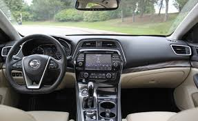 Nissan Maxima 2005 Interior 9 Things Nissan Shows Off With The 2016 Maxima Autoguide Com News